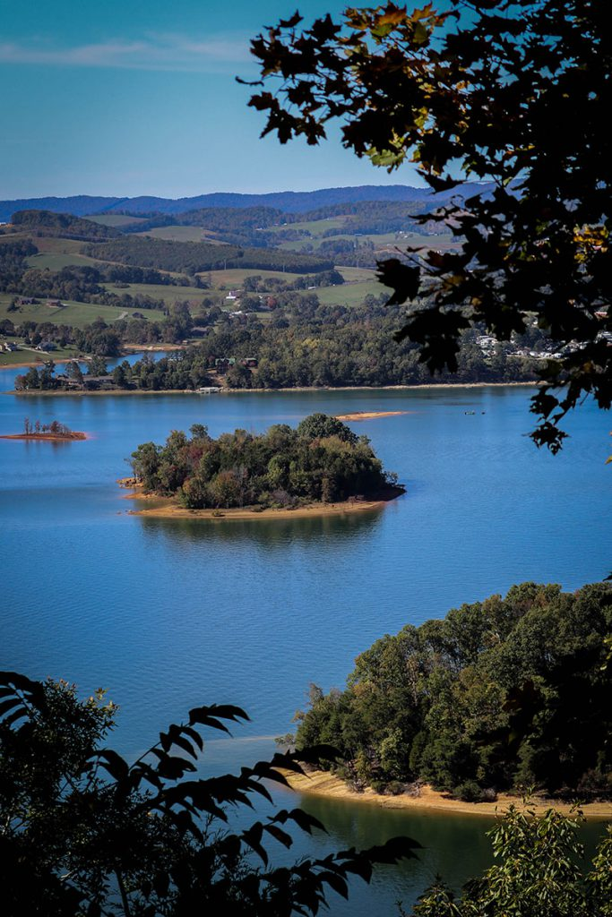 Cherokee Reservoir or Cherokee Lake has 28,780 acres of water surface and 400 miles of shoreline.